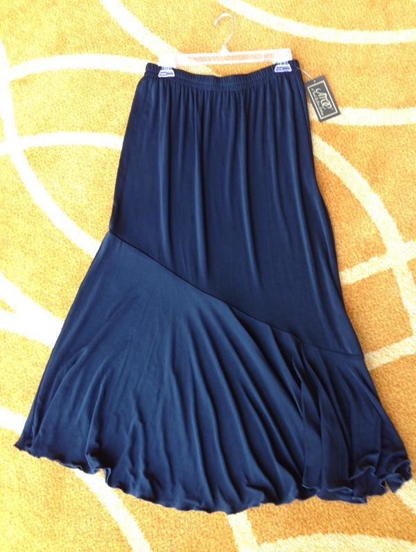 Black Travel Knit 6 Gore Skirt